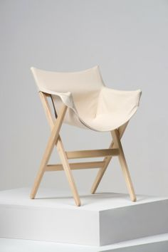 Fionda is a minimalist design created by England-based designer Jasper Morrison. Fionda, which means sling in Italian, was conceived due to Morrisons discomfort with outdoor camping chairs. He wanted to produce a similar design for indoor use. As a result, he produced a wooden and stacking chair with a light and stable frame. (16)