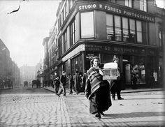 Corner of Grafton and South King Street, Dublin. Dublin Ireland, Ireland Travel, Old Pictures, Old Photos, Vintage Photos, Grafton Street, Irish Culture, Ireland Homes, Dublin City