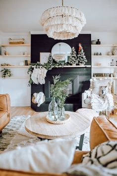 2019 Holiday Home Walk Through. How we styled our home for Christmas with a little bit of modern, scandanavian, mid century and farmhouse decor. Also how to make your own garland. # 2019 Holiday Home Walk Through - White Picket Farmhouse Decoration Bedroom, Diy Home Decor, Garland Decoration, Decoration Home, Home Decorating, Living Room Designs, Living Room Decor, Cute Dorm Rooms, Diy Décoration