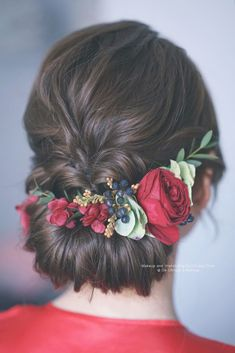 Discover more about diy wedding hairstyles Bridal Hairstyle Indian Wedding, Long Bridal Hair, Wedding Hair Up, Bridal Hair Buns, Long Hair Wedding Styles, Bridal Hairdo, Wedding Hairstyles For Long Hair, Long Hair Styles, Asian Bridal Hair