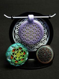 Jameson Siudut Sandblasted Sacred Geometry Medallions #glass #art #jewelry…