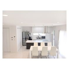 Overview/ダイニング/ダウンライト/ホワイトインテリア/リビングルーム/ダイニングチェア...などのインテリア実例 - 2016-05-12 02:10:24 Muji Style, Minimalist, Simple, Room, Furniture, Home Decor, Modern Living, Interiors, Kitchen