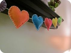 Felt heart garland. Perfect for a little girl/teen bedroom, or anywhere you want to add a whimsical touch.