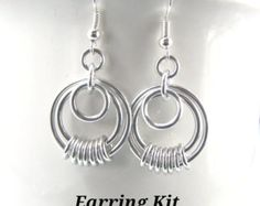 This listing is for an instant digital download for the PDF file containing a tutorial for the Lunas Halo Earrings. This does not include the