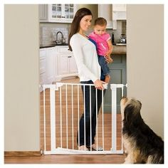 Munchkin Auto Close Metal 29.5 - 51.6 Baby Gate, White