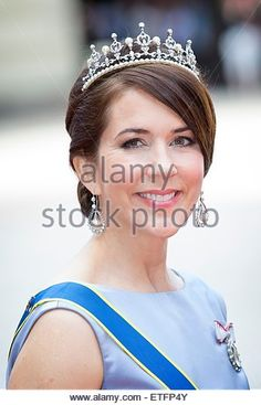 Stockholm, Sweden. 13th June, 2015. Crown Princess Mary of Denmark arrives at the Royal Palace for the wedding of Prince Carl Philip and Sofia Hellqvist at the Palace Chapel in Stockholm, Sweden, 13 June 2015. Photo: Patrick van Katwijk/ POINT DE VUE OUT - NO WIRE SERVICE -/dpa/Alamy Live News - Stock Image