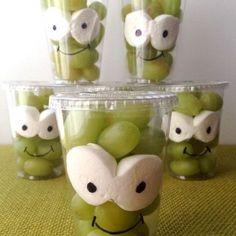 Kids treats with fruit - Healthy Food Art Snacks Für Party, Party Treats, Food Humor, Cute Food, Halloween Treats, Baby Food Recipes, Food Art, Kids Meals, Creative