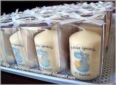 Son 50 velas personalizadas en cajas de mica, para el bautizo de Matías.  Lindos recuerdos!!   Para ver más recuerdos de bautizo ... PINCHA ... Baptism Favors, Baptism Invitations, Christening Party Decorations, Ideas Bautizo, Homemade Soap Recipes, Home Made Soap, Creations, Baby Shower, Gifts