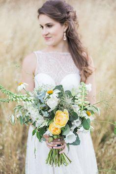 Natural Woodsy and Copper Wedding Inspiration ⋆ Ruffled Bride Bouquets, Flower Bouquet Wedding, Bridesmaid Bouquet, Wedding Trends, Fall Wedding, Wedding Ceremony, Wedding Ideas, Wedding Collage, Wedding Planning Inspiration