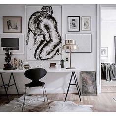 Beautiful styled apartment ✨@bjurfors_goteborg photo: Alen Cordic #lägenhettillsalu #göteborg #apartmentforsale #decor #blacknwhite #homeoffice #kontor #homedecor #homestyling #decoration #lighting #bumling #heminredning #interior #design #home #interioroftheday #homedeco #beautiful #details #art #antik #arkitektur #love #interior4all #instagood #inspiration #interiordesign