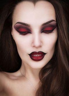 Halloween Makeup Looks, Scary Halloween, Costume Halloween, Halloween Party, Halloween Designs, Pretty Halloween, Halloween Fashion, Halloween 2019, Vintage Halloween