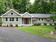 Ideas for house exterior paint schemes ranch style garage doors Exterior Paint Schemes, Exterior Paint Colors For House, Paint Colors For Home, Exterior Siding, Paint Colours, Exterior Colors, Exterior Design, Ranch House Additions, Home Additions