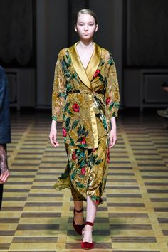 Russian Fashion, 70s Fashion, Art Deco Fashion, Couture Fashion, Timeless Fashion, Womens Fashion, Chic Outfits, Fashion Outfits, Beautiful Gowns