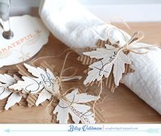 Napkin-ring-place-cards
