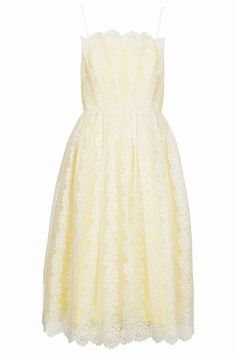 We love the idea of opting for a retro chic dress for prom.