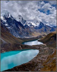 ✯ Shades of blue on the Huayhuash Trek in Peru