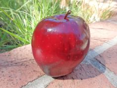 Apple oil also lifts depression. Find out how it firms your skin...