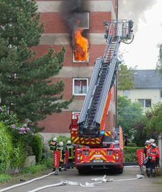 Großeinsatz in LangenhagenFrau (58) stirbt nach #Wohnungsbrand