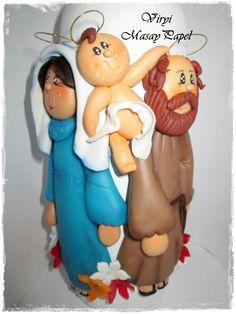 Botella Decorada con figuras en Masa Flexible, Porcelana Fria, Biscuit