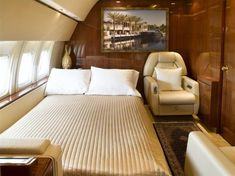 Private Jet Boeing Advanced Bedroom Interior 1 - OH WOW! a door into your bedroom on your private jet! A spot of turbulence and you just roll out of bed into your chair and fasten your seatbelt! Jets Privés De Luxe, Luxury Jets, Luxury Private Jets, Private Plane, Skyline Gtr, Lamborghini Gallardo, Rolls Royce, Boeing Business Jet, Airplane Interior