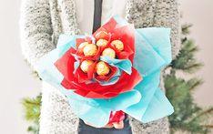 How to make Ferrero Chocolate bouquet for Valentine's (tutorial) via tingandthings.com