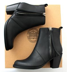 <3 Ankle boots