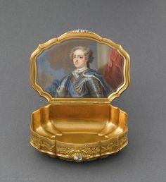 Daniel GOVAERS (master in Paris in 1717)  Snuff-box  1726-27  Paris