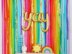 Diy Photo Booth Backdrop, Streamer Backdrop, Party Streamers, Glitter Backdrop, Backdrop Ideas, Coachella Party Decorations, Rainbow Party Decorations, Birthday Decorations, Halloween Decorations