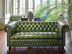 Sofá de couro verde