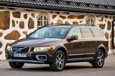 Volvo XC70 Wagon 2013 Review, Specs, Pictures Volvo 850, My Dream Car, Dream Cars, Kids Booster Seat, Volvo Cars, Roof Rails, Subaru Outback, Family Road Trips, Cute Cars