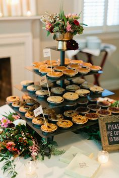 10 Great Fall Wedding Favors for Guests 2020 - - When it comes to choosing fall wedding favors, I would recommend those that can easily be acquired with the combination of gifts from nature. Fall Wedding Desserts, Fall Wedding Decorations, Fall Wedding Foods, Wedding Pie Table, Thanksgiving Wedding, Dessert Ideas For Wedding, Halloween Wedding Favors, Fall Party Favors, Mini Wedding Cakes