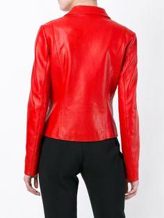 Versus off-centre fastening jacket