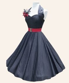 halterneck luxury dress ooh yeah pin up! 50 Style Dresses, Vintage Style Dresses, Pretty Dresses, Vintage Outfits, Fashion Dresses, Vintage Fashion, 1950s Dresses, Dress Skirt, Lace Dress