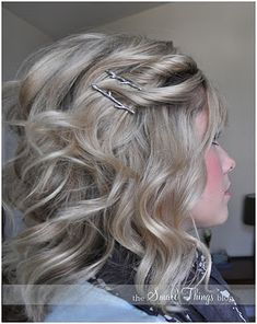 Styles for medium length hair. LOVE this blog. I have been wearing my new cut some of these ways but happy for the many other styles she shows.
