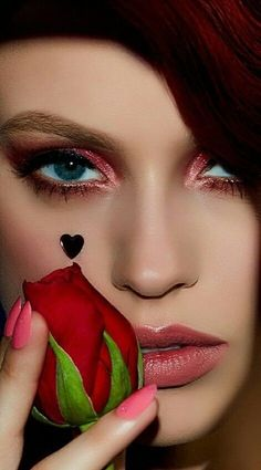 BEAUTY GIRL You Are Beautiful, Beautiful Eyes, Beautiful Images, Color Borgoña, Little Valentine, Magic Circle, Lifestyle Trends, Ruby Red, Makeup Trends