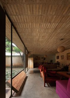 Image 3 of 25 from gallery of Fanego House / Sergio Fanego + Gabinete de Arquitectura. Photograph by Federico Cairoli Brick Architecture, Contemporary Architecture, Architecture Details, Interior Architecture, Interior And Exterior, House On Stilts, Tadelakt, Mid Century House, Small Living Rooms