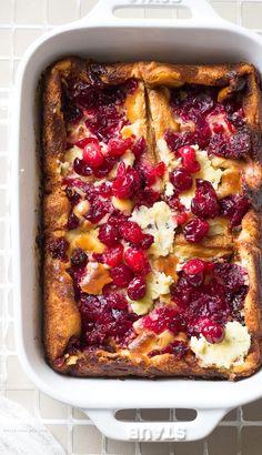 Cream Cheese Bread, Cream Cheese Desserts, Cranberry Bread, Cranberry Recipes, Holiday Recipes, Bread Pudding Sauce, Bread Puddings, Sugar Bread, Breakfast Dishes