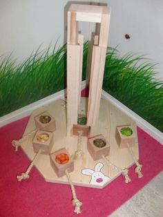 Site is in German. Has a big page of logic toys - Plüschnasen Bunny Cages, Rabbit Cages, House Rabbit, Rabbit Toys, Pet Rabbit, Diy Bunny Toys, Diy Toys, Chinchilla Care, Indoor Rabbit