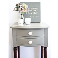 I'm loving #anniesloanchalkpaint French Linen and its even more stunning against the dark timber #bedsides #brisbane #qld #womenwhodiy #vintage #paintedfurniture #restoredfurniture #dtll #etsy #morethanjustpaint #ascp #furniture