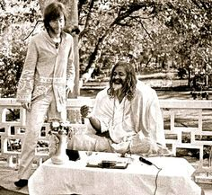 John Lennon and the Maharishi Mahesh Yogi