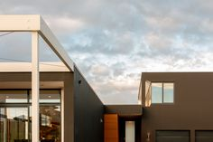 Modern house design for a project in Pauatahanui Wellington. Both the design and construction of this modern home were completed by Mackit Architecture. Modern House Design, Outdoor Spaces, Entrance, Stairs, Construction, Architecture, Home Decor, Outdoor Living Spaces, Building