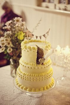 wedding cake  I predict a return of old-school Wilton-style cake design with buttercream, like this fabulous example.