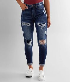 Cute Ripped Jeans, Ripped Jeans Outfit, Jeans Outfit Summer, Shorts Jeans, Cuffed Jeans, Holey Jeans, Hollister Jeans, Outfits For Teens, Stylish Outfits