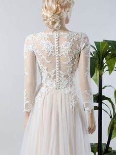 Long sleeve lace wedding dress with tulle skirt 4018