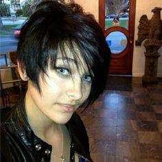 Paris Jackson: Michael Jackson's daughter is pregnant at age Paris Jackson, Michael Jackson Daughter Paris, The Jacksons, Jackson Family, Hollywood, New Hair Colors, Celebs, Celebrities, Celebrity Gossip