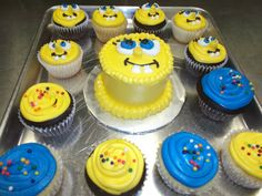 #SpongeBob #Mini Smash Cake with matching Cupcakes. Created by The Flavor Station