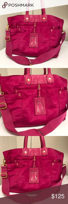 Marc Jacob Crossbody/Tote bag Beautiful bag that has some used with superficial trace of dirt noted on the straps and side but this can be wash. Marc Jacobs Bags Crossbody Bags
