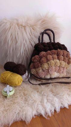 Ombre collection #pompombag #pompom_bag #pompom #pomponella_pompom Pom Pom Rug, Straw Bag, Throw Pillows, Handmade, Bags, Collection, Tricot, Cushions, Handbags