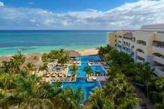 Jamaica is famous for its beautiful beaches. Find out everything you need to know about all about the best adults only all-inclusive resorts in Jamaica! Best Hotels In Jamaica, Hotels In Montego Bay, Best All Inclusive Vacations, Jamaica All Inclusive, Jamaica Honeymoon, Montego Bay Jamaica, Jamaica Resorts, Jamaica Vacation, Jamaica Travel