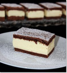 Gizi-receptjei. Várok mindenkit.: Pudingos-tejfölös szelet. Baking Recipes, Cake Recipes, Dessert Recipes, Sweet Desserts, Sweet Recipes, Salty Cake, Hungarian Recipes, Chocolate Recipes, No Bake Cake
